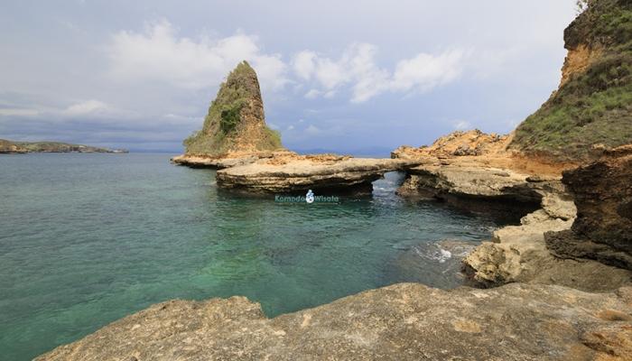 Tanjung Bloam