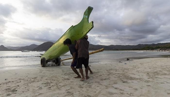 Selong Belanak Beach, Central Lombok