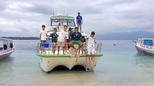 Scoot Fast Cruises Boat